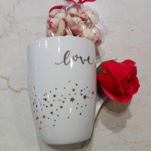 Подаръчен комплект от керамична чаша и шоколадови изкушения MY Chocolatier