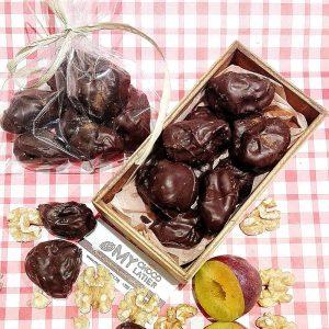 СИНИ СЛИВИ С ОРЕХЧЕ, ПОРТОКАЛОВИ КОРИЧКИ И КАНЕЛА В ТЪМЕН 54% ШОКОЛАД   MY Chocolatier