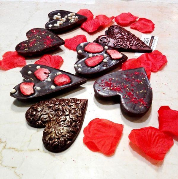 Шоколадови сърца с лиофилизирани плодове, ядки и подправки   MY Chocolatier